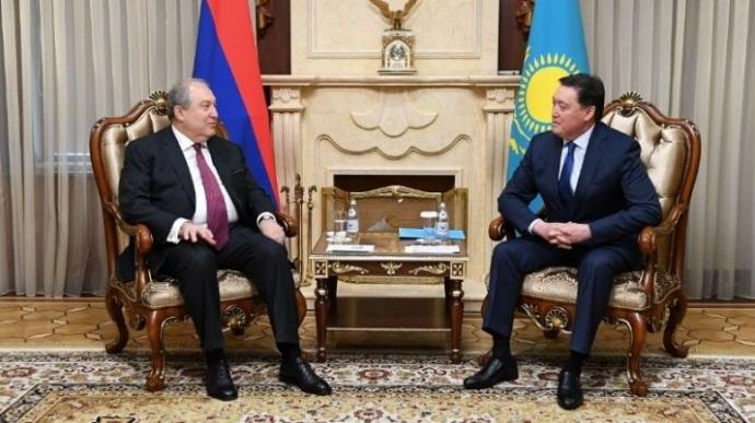 Kazakhstan Prime Minister and Armenia President discussed economic coop